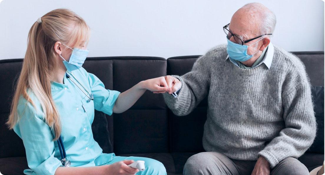 Software Pflegedienst: Wie Gemeinsprache mit Senioren finden? Effektive Kommunikation